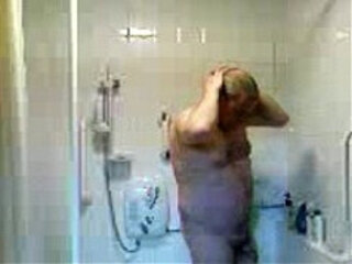 MATE IN THE SHOWER