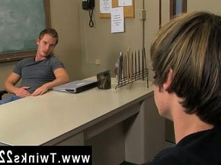 Twink sex Tyler Andrews and Elijah white play the spins of